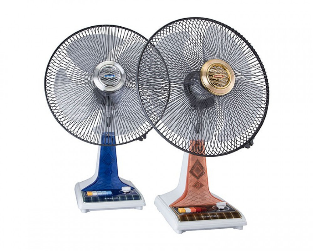 Toshiba Desk Fan 16 inch with Lamp and 4 Plastic Blades ES55(PS)